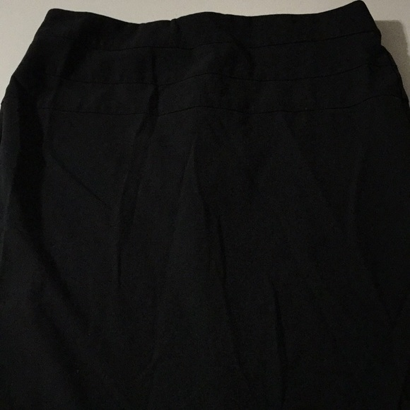 Candie's Dresses & Skirts - Pretty detailed candies 7 black skirt work career